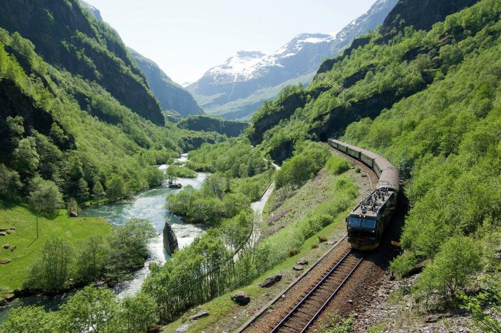 Kereta wisata Flamsbana. (Sumber foto : www.stalheim.com)
