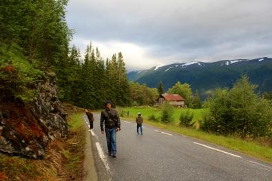 Jalan pagi menuju stegastein