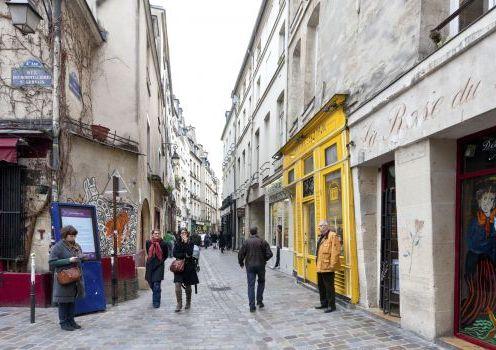 Kawasan fashionable Le Marais (sumber foto : www.fodors.com)