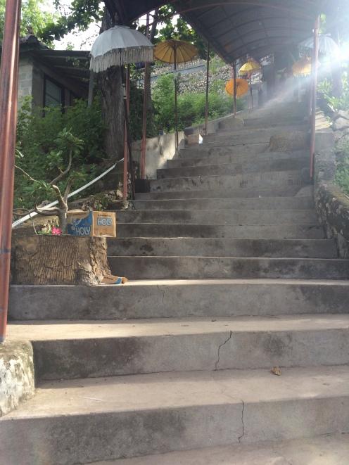 Gapura Goa Giri Putri