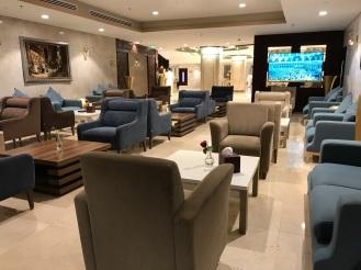 Bemacam-macam gaya lobi Infinity Hotel