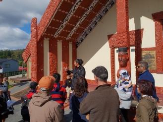 Rumah adat Maori Rumah adat Maori (Ancestral Meeting House)