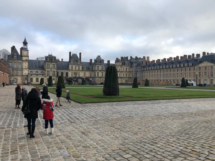 Halaman kastil Fontainebleau