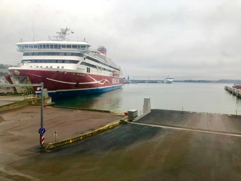 Viking line tipe kapal XPRS untuk penyebrangan dari Helsinki ke Talinn, Estonia