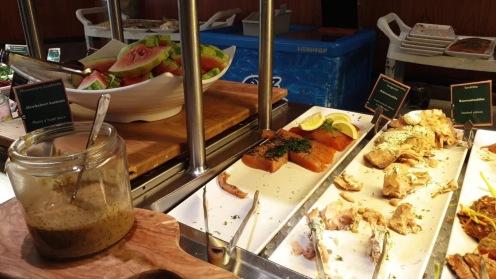 Restoran buffet di kapal ferry Viking Line XPRS
