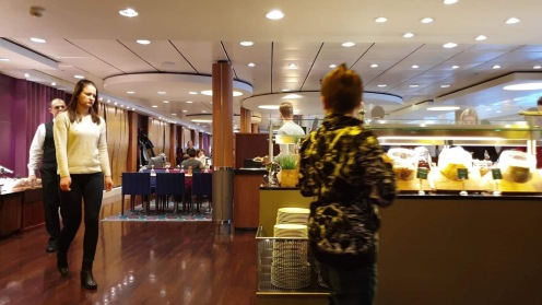 Brunch di Kapal Viking Line menuju Tallinn