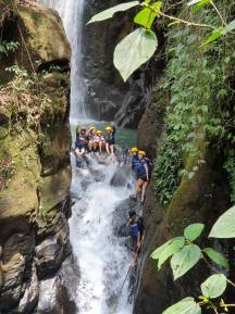 Body rafting curug naga