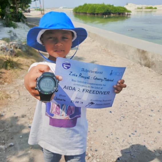 He is AIDA 2 freediver ! Congrats ! :)