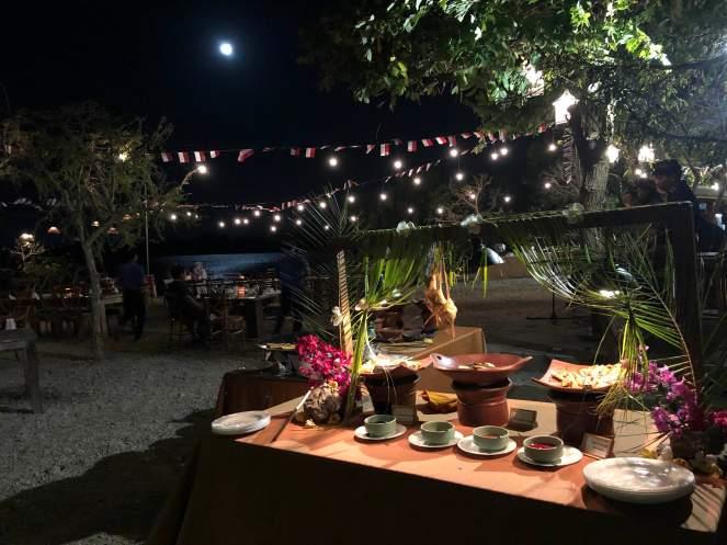 dinner under full moon